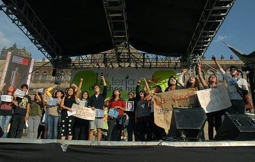 La 11 Feria de los Derechos Humanos en el Zócalo capitalino, bajo el lema el Derecho a un Medio Ambiente Sano
