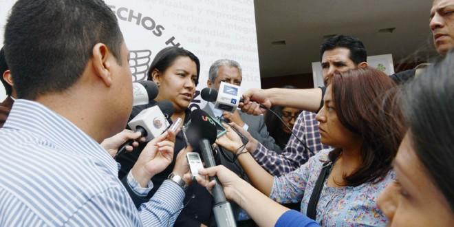 Entrevista a la Presidenta de la CDHDF, Doctora Perla Gómez Gallardo, al término de la entrega de materiales de la Campaña de Reciclaje Escolar » Haz de tus útiles un buen papel «.