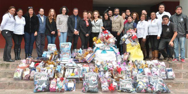 Galería: Donación de calcetines y zapatos por parte de la Diputada Rebeca Peralta al Zapatón