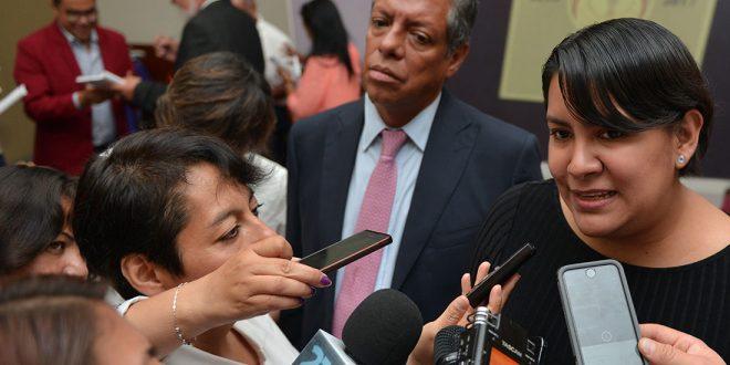 """Entrevista a la Presidenta de la CDHDF, Doctora Perla Gómez Gallardo, en el Foro """"Por la defensa de la  Constitución Política de la Ciudad de México"""""""