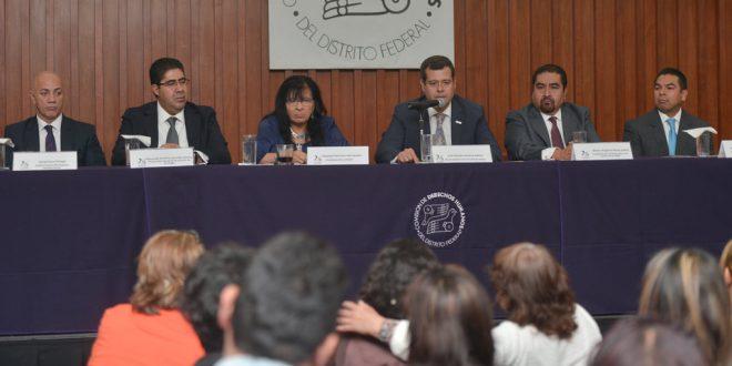 Se lleva a cabo en CDHDF la promulgación del decreto de Ley que extingue la atribución de ejecutar penas y medidas de seguridad contra quienes participaron en manifestaciones entre el 1 de diciembre de 2012 y el 1 de diciembre de 2015