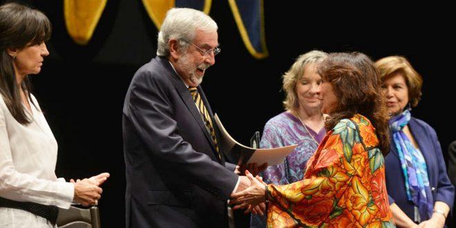 Galería: Doctora Genoveva Roldán, Consejera de esta CDHDF, recibe el Reconocimiento Sor Juana Inés de la Cruz, otorgado por la UNAM