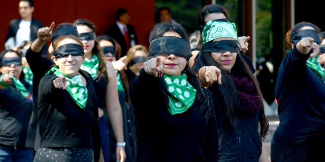 CDHCM se suma al performance global contra la violencia de género