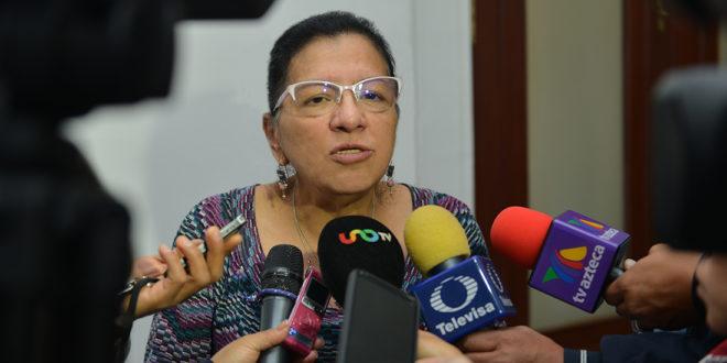 """Entrevista a la Presidenta de la CDHCM, Nashieli Ramírez Hernández, luego de la sesión solemne con motivo de la entrega de la """"Medalla al Mérito de Defensoras y Defensores de Derechos Humanos en la Ciudad de México 2019""""."""