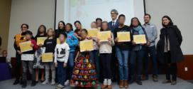"""Reciben niñas, niños y adolescentes ganadores premios por el Concurso de cuento y dibujo """"Mis derechos me acompañan a donde quiera que voy, las personas refugiadas en México no pierden sus derechos"""""""