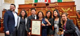 Galería: Sesión Solemne con motivo de la entrega de la Medalla al Mérito por la Defensa de las Víctimas